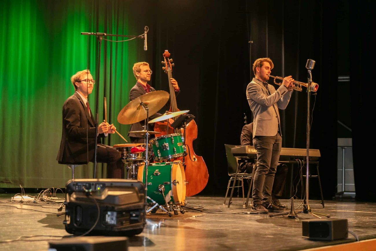 Jazzy Christmas mit den All Jazz Ambassadors
