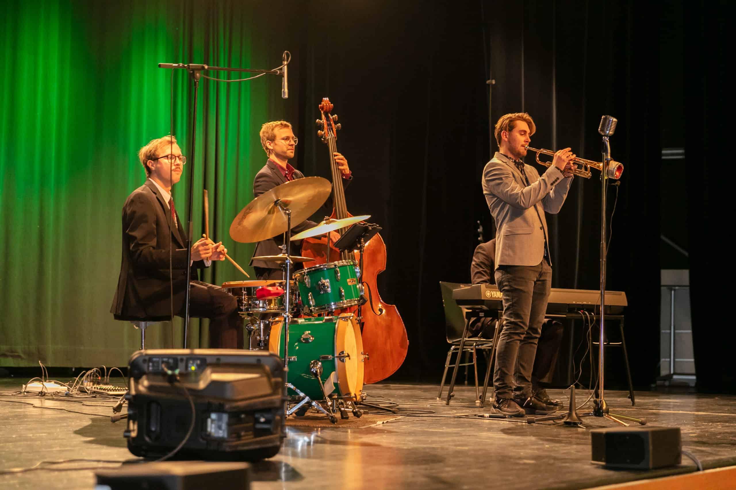 All Jazz Ambassadors als Jazz-Band & Live-Band bei einer Weihnachtsfeier in der Steinhalle Lannach
